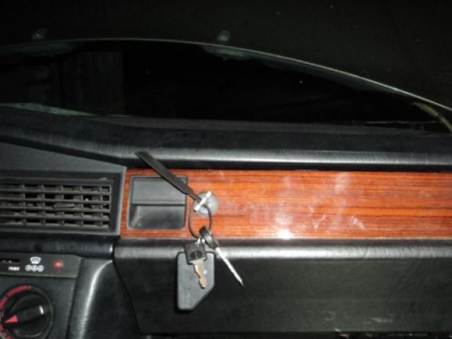Mercedes 190 1.8 BVA, mon nouveau dailly - Page 3 505400DSC04561