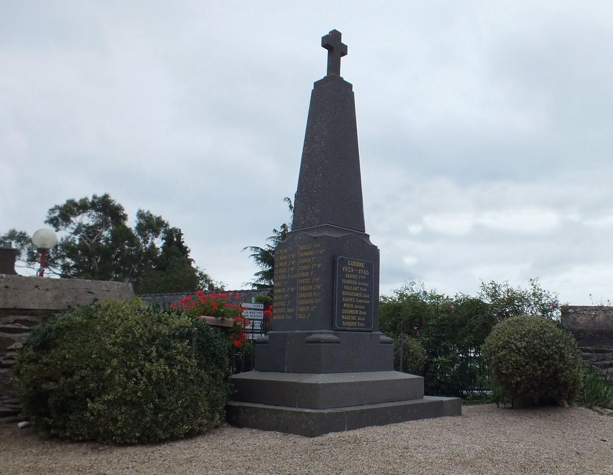 [ Histoires et histoire ] Monuments aux morts originaux Français Tome 2 511523monumentauxmortsletrhou9