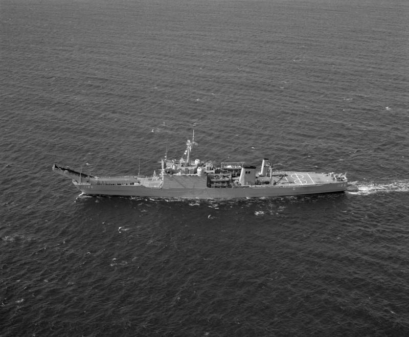 LANDING SHIP TANK (LST) CLASSE NEWPORT  512574USSCayugalamer