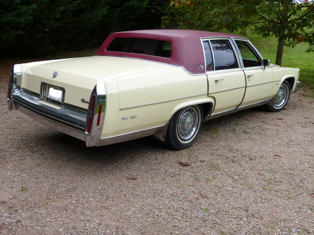 (A Vendre) Cadillac fleetwood brougham (diesel) 512713P1010830