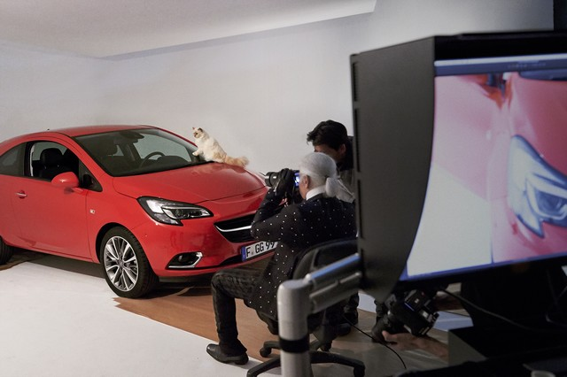En coulisses avec l'Opel Corsa, Karl Lagerfeld et Choupette, top model 515437OpelCorsaLagerfeld293234