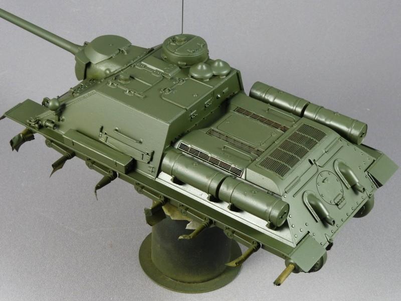 SU-100 - DRAGON 1/35 - Page 2 516422P1020851