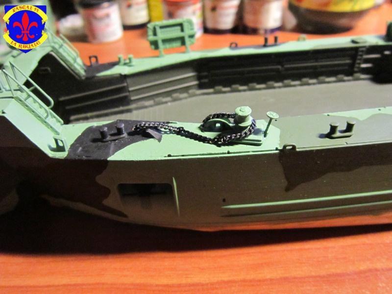 U.S. Navy Landing Ship Médium (Early) au 1/144 de Revell par Pascal 94 - Page 9 516501IMG425711