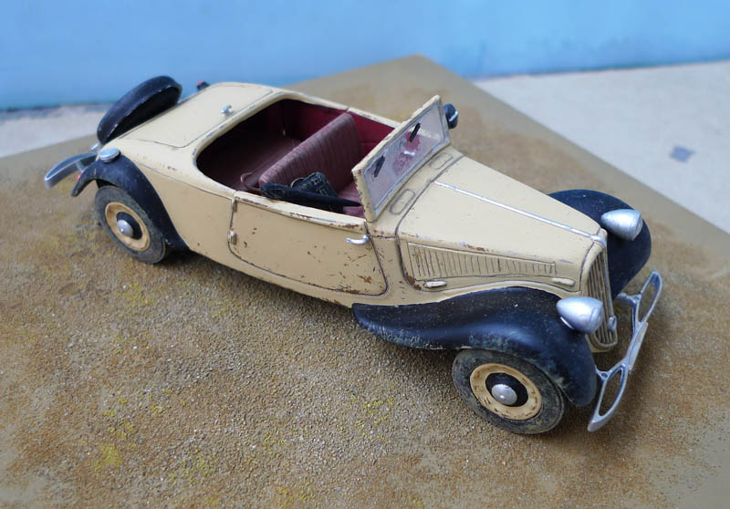 "[Matchbox] - Citroen 11 Légère ""Indiana Jones - The Last Crusade"" 518550Citroen1136"