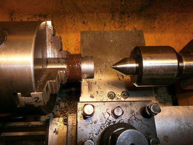 Fabrication d'un raccord pour ma pompe à lubrifiant 521275PB090020