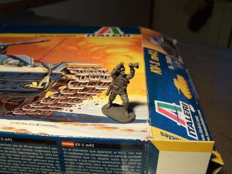 """""""Le duel"""" KV1c vs Panzergrenadiere Russie 1942 (terminé) 5227341005475"""
