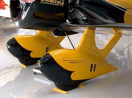 GeeBee « Z » racer  Williams 1/32 527102Wheelpants