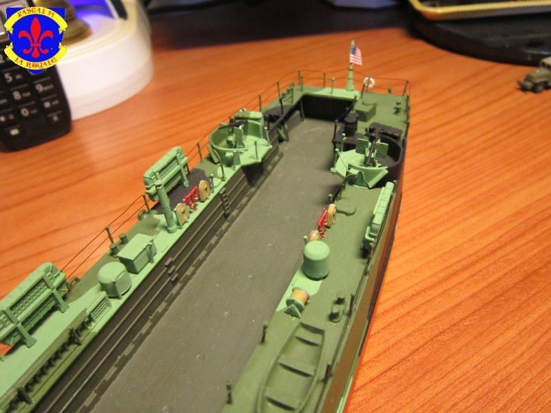 U.S. Navy Landing Ship Médium (Early) au 1/144 de Revell par Pascal 94 - Page 15 528079IMG44071