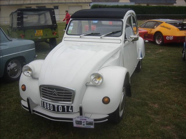 Landelles et Coupigny 2011 : fête de pantecôte  (voitures an 529820Jun13106