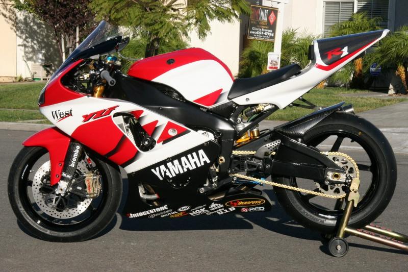 Yamaha 1000 R1 ... - Page 10 532917yamahayzfr72001moto