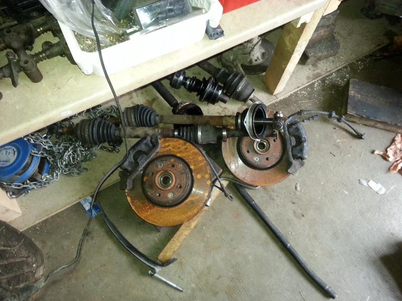 Mimich et sa R9 Turbo (du moins ce qu'il en reste) 53302720120730183452