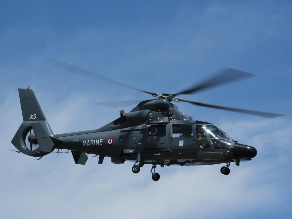 [ Aéronavale divers ] Hélicoptère DAUPHIN - Page 5 533295PERTUSATOJUIN2015029