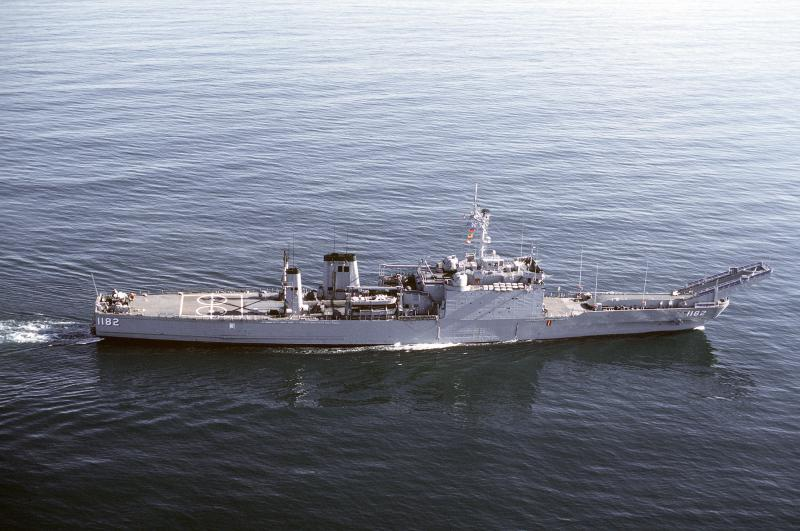 LANDING SHIP TANK (LST) CLASSE NEWPORT  535681USSFresno01111983