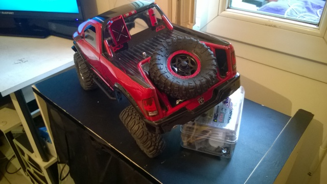 axial Scx10 - Jeep Umbrella Corp Fin du projet Jeep - Page 5 535737WP20150407008