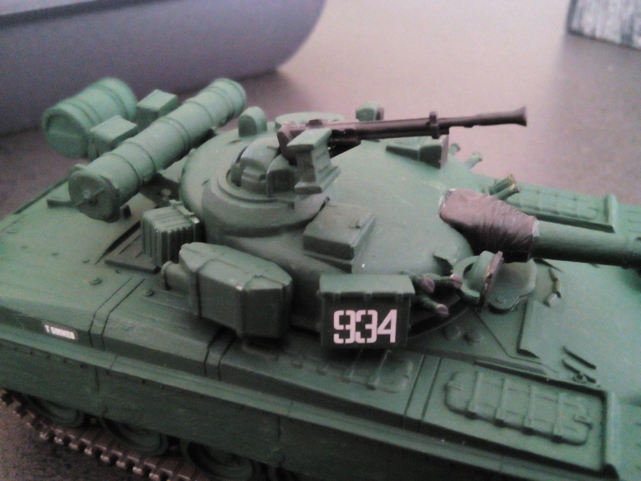 Char soviétique T-80B au 1/72 538313IMG20160322160200