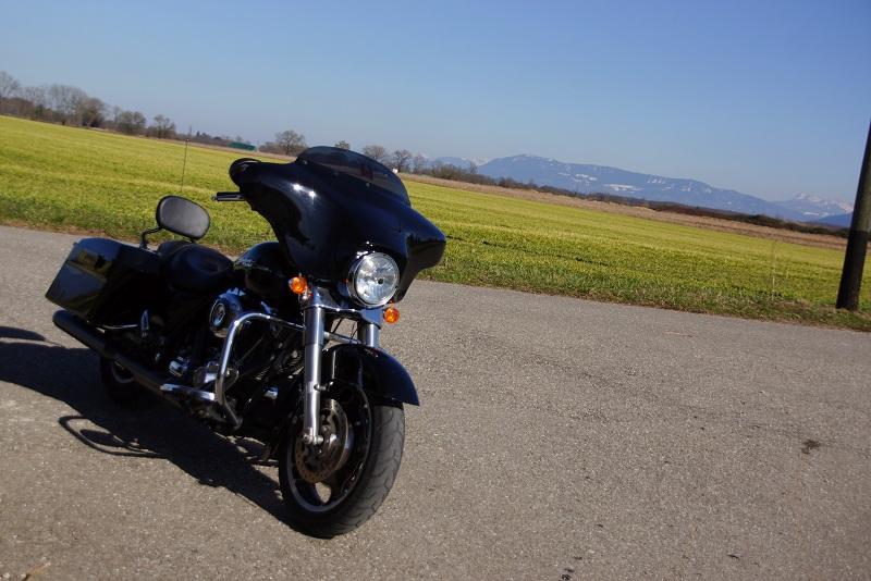 combien de STREET GLIDE  sur le forum Passion-Harley - Page 4 538717SGBallade3