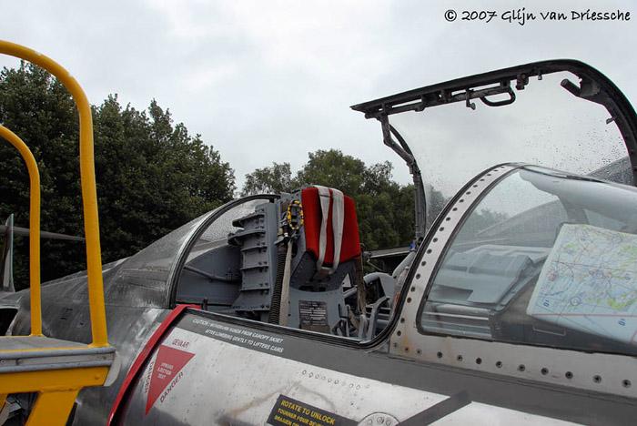 DUO: F-104N (NASA) + F-104G (BAF) Hazegawa 1/48  - Page 2 540038Lockheed20F104G20200