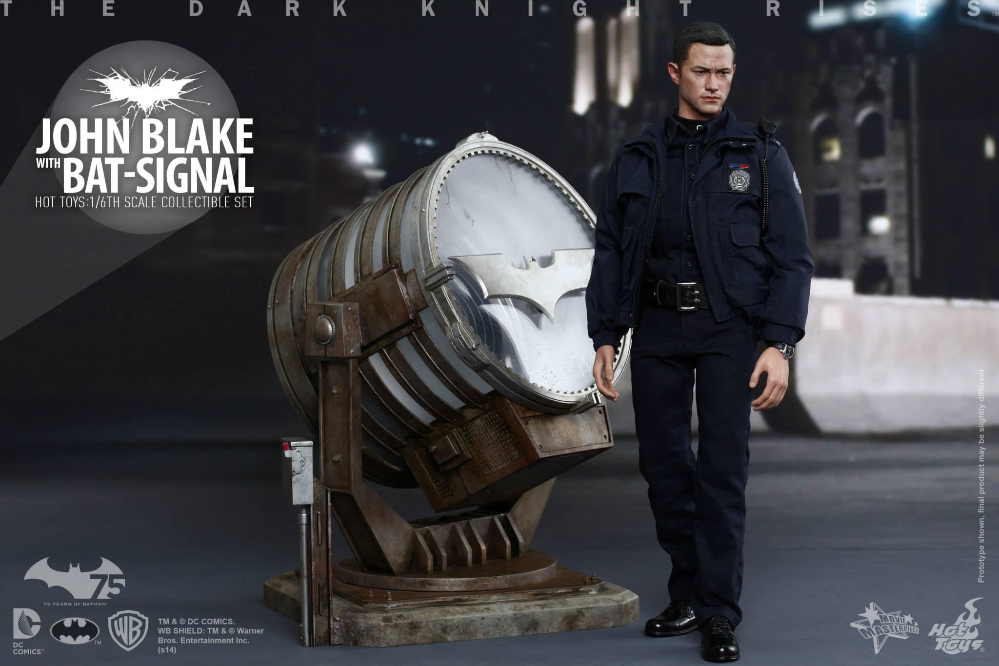 THE DARK KNIGHT RISES - Lt. JIM GORDON & JOHN BLAKE w/BATSIGNAL 540039101