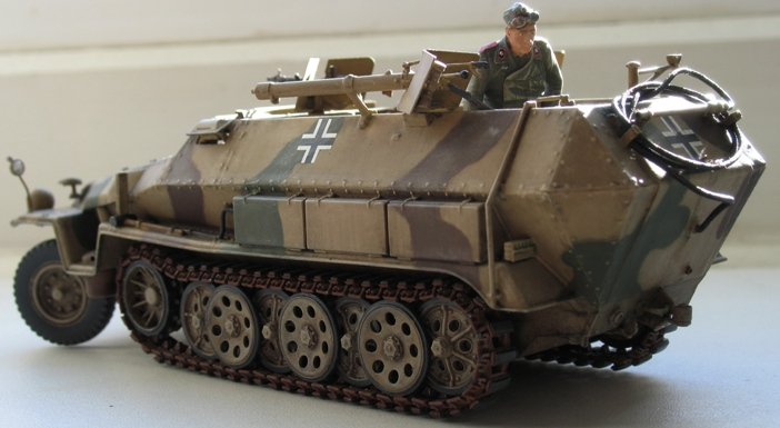 sd.kfz 251/16 flammpanzerwagen  Dragon 1/35 - Page 4 540209modles110023