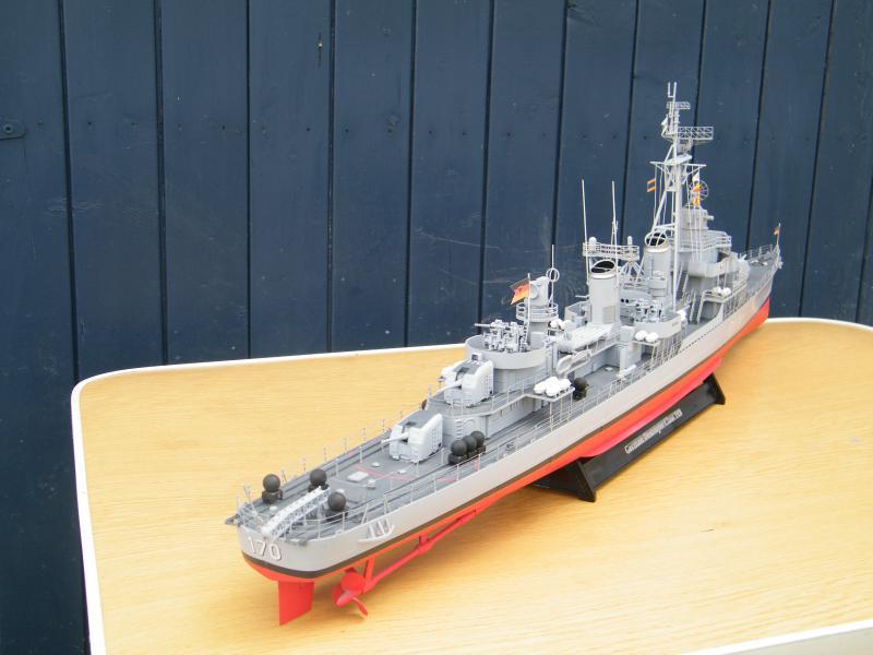 Destroyer Fletcher-Class au 1/144 54278820110723bartjeanjvido0209