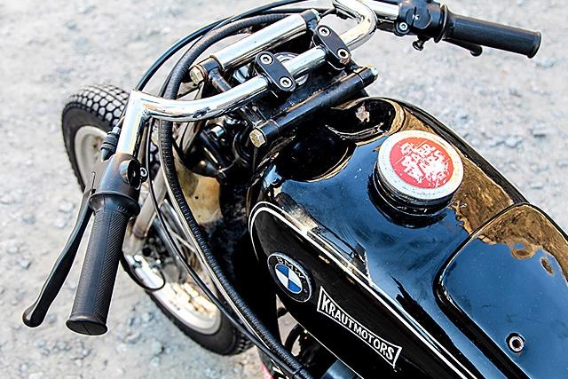 C'est ici qu'on met les bien molles....BMW Café Racer - Page 3 54358115092016KrautMotors1937BMWR5DragBike07