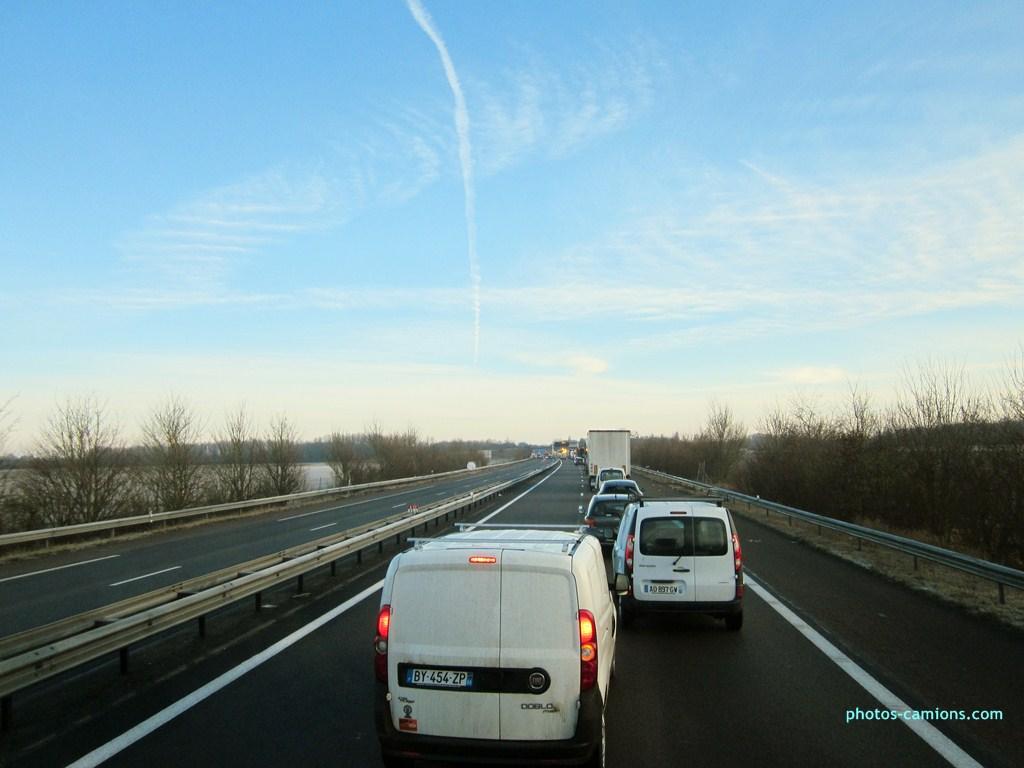 Accident sur l'A31 vers Dijon 545843photoscamions25I201376Copier