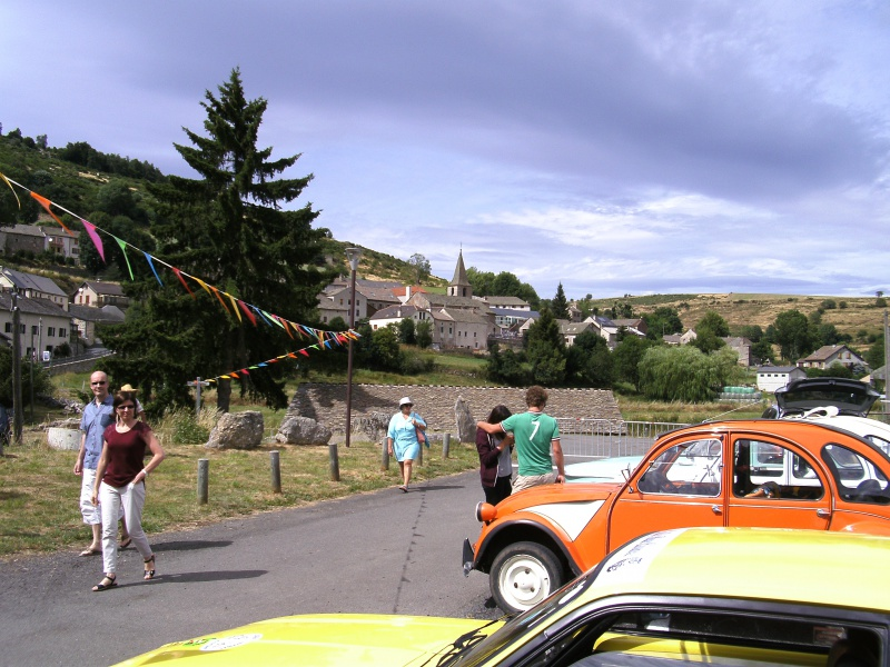 fête au village et quelques autos  546080arzenc2015009