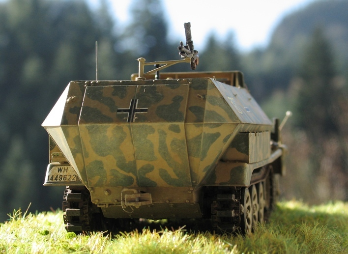 Sd.Kfz 251/9 Ausf.C AFV Club 1/35 546142modles126017