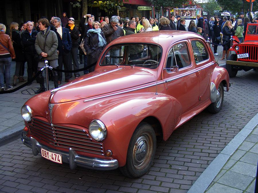 """Bruxelles côté BD  """"Tintin en automobile"""" - Page 2 546767DSCF6264"""