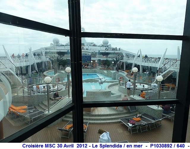 MSC Splendida Du 28 avril au 5 mai 2012 Gêne Barcelone Tunis La valette Taormine Messine Rome 548703P1030892