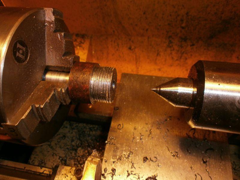 Fabrication d'un raccord pour ma pompe à lubrifiant 557421PB090022