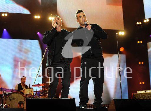 Robbie et Gary au concert Heroes 12-09/2010 55961222295517
