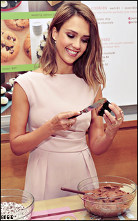 Ma petite galerie des horreurs - Page 10 562416JessicaAlba2