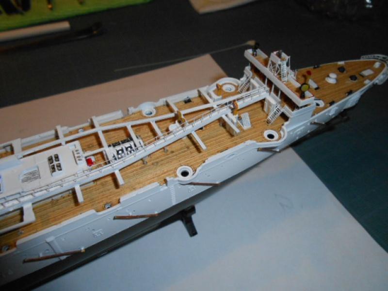 "Croiseur  Russe ""VARYAG"" Zvezda 1/350 pont en bois / PE  563527bat011"