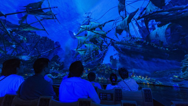 [Shanghai Disneyland] TREASURE COVE (POTC:...Sunken Treasure/Captain Jack's Stunt) - Page 8 565376w246