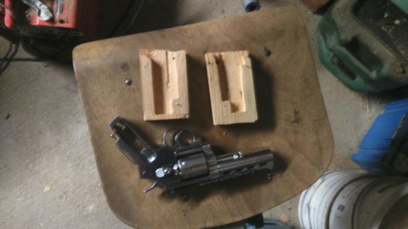 Poignée bois pour Dan Wesson 566501DSC0056