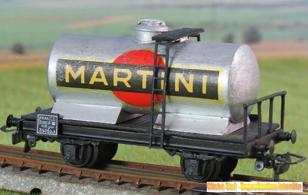 Wagons à 2 ess maquette citernes, foudres 567686VBciterne2essaluMartiniIMG3446R