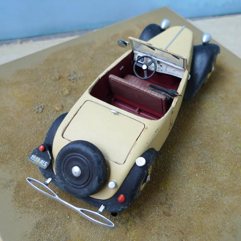 "[Matchbox] - Citroen 11 Légère ""Indiana Jones - The Last Crusade"" 567784Citroen1132"