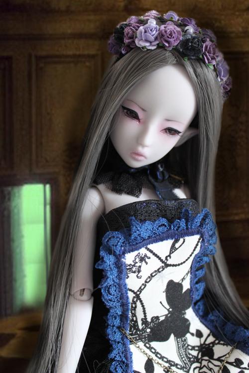 Nymeria (Sixtine Dark Tales Dolls) nouveau make-up p8 - Page 4 569885deprsetdevantlaporte