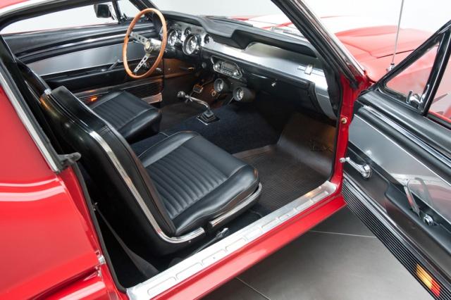 mustang shelby 350 GT 1967  au 1/25 de chez AMT/ERTL  570344inteieur10