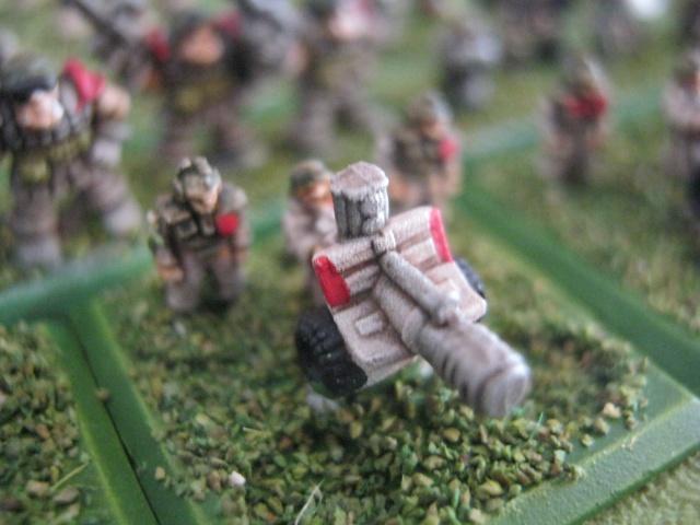 [ZeCid] Mes troupes de trouffions SM, impériaux et tytys 572645infanterieappuifeu2