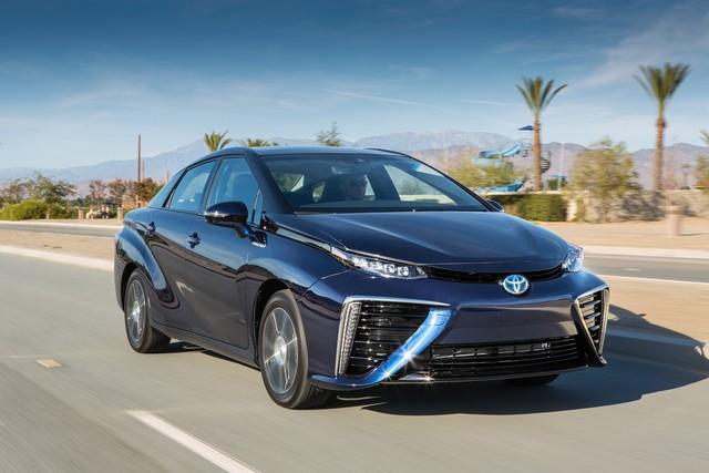 """Toyota se projette dans le futur avec la berline à pile à combustible 'Mirai'"""" 5739752016ToyotaFuelCellVehicle041"""