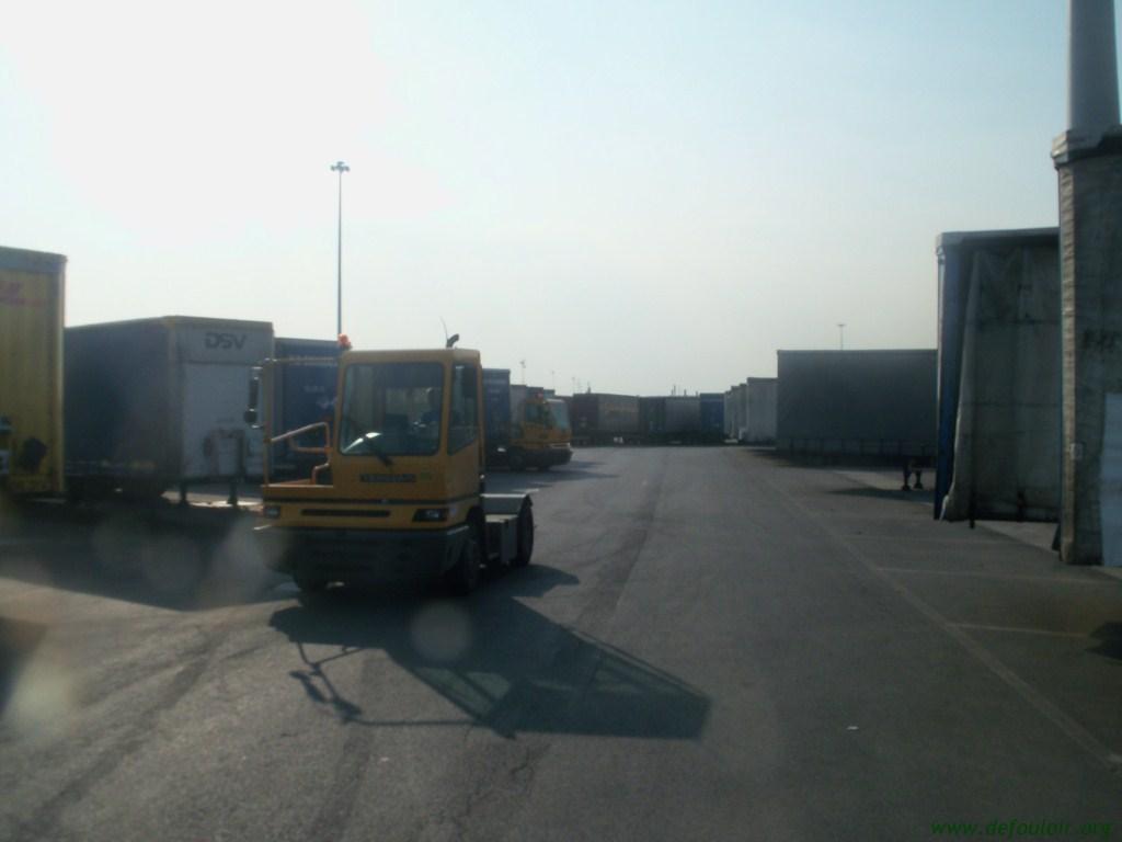 Les camions de manutention Terberg et Mol. 5742171016441