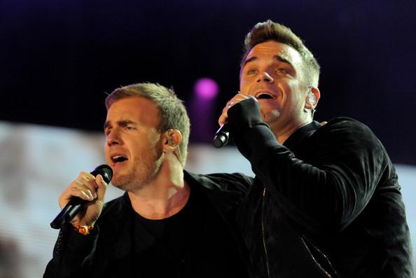 Robbie et Gary au concert Heroes 12-09/2010 576022Gary_Barlow_Heroes_Concert_Show_Gw_QUzZ6nJgl