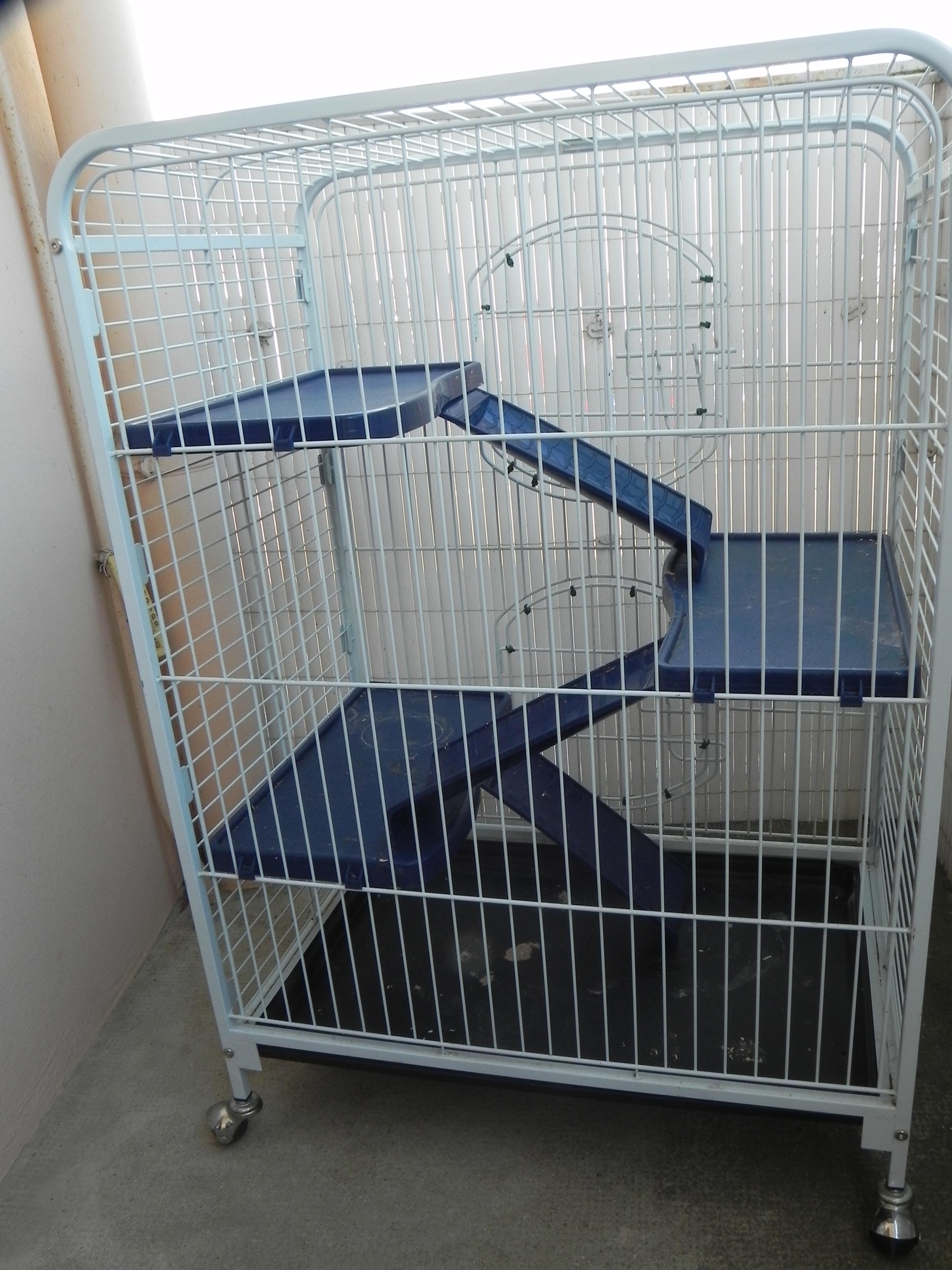 Vends Cage Tower (89) 577599DSCN1675