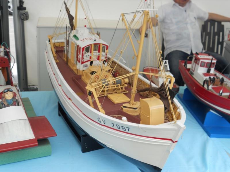 démo de maquettes navigantes sur la place Napoléon à la Roche S/Yon le 31 Mai et le 1er Juin 580821DSCN4029