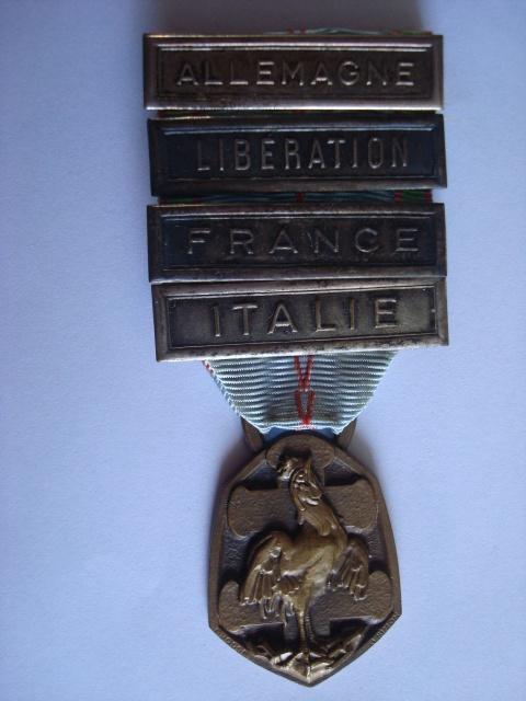 LES DÉCORATIONS AU CHOC 1943-1945. 583544Commmo3945