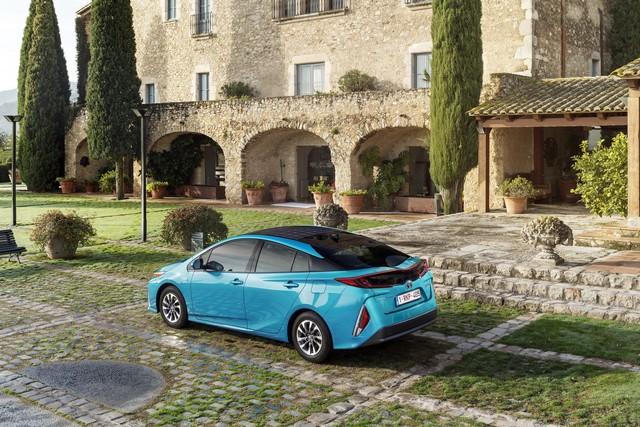 Toyota Annonce Les Prix De La Nouvelle Yaris 5845742017priusphvaquastatic02