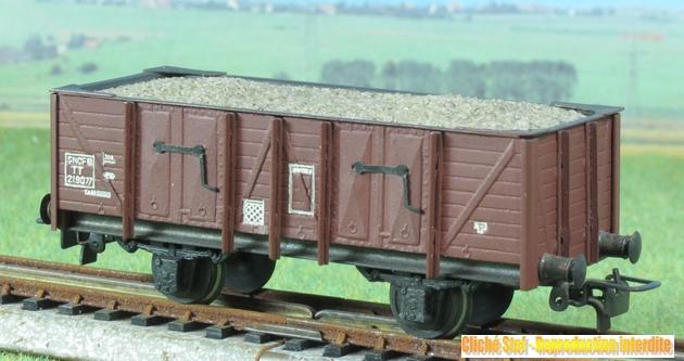 Wagons tombereau 2 essieux maquette chargés 585050VBtombereauessmaquettesableIMG3298