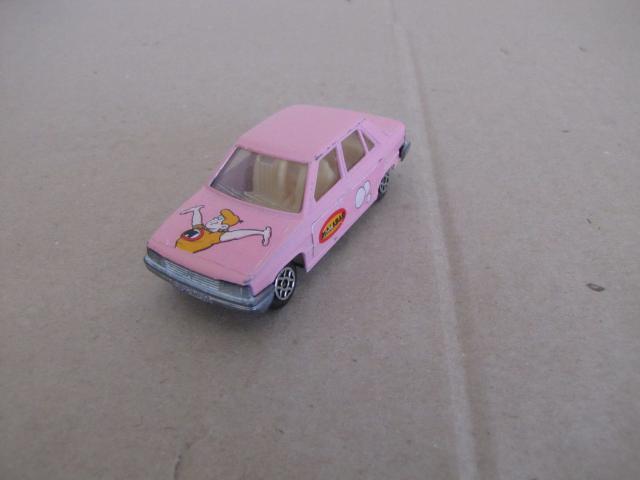 """Les """"petites voitures"""" à l'effigie des héros des années 80 586967IMG4857"""